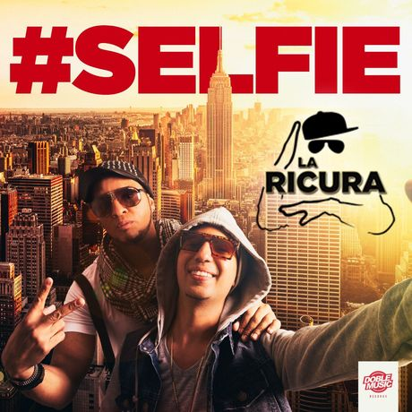 La Ricura Selfie